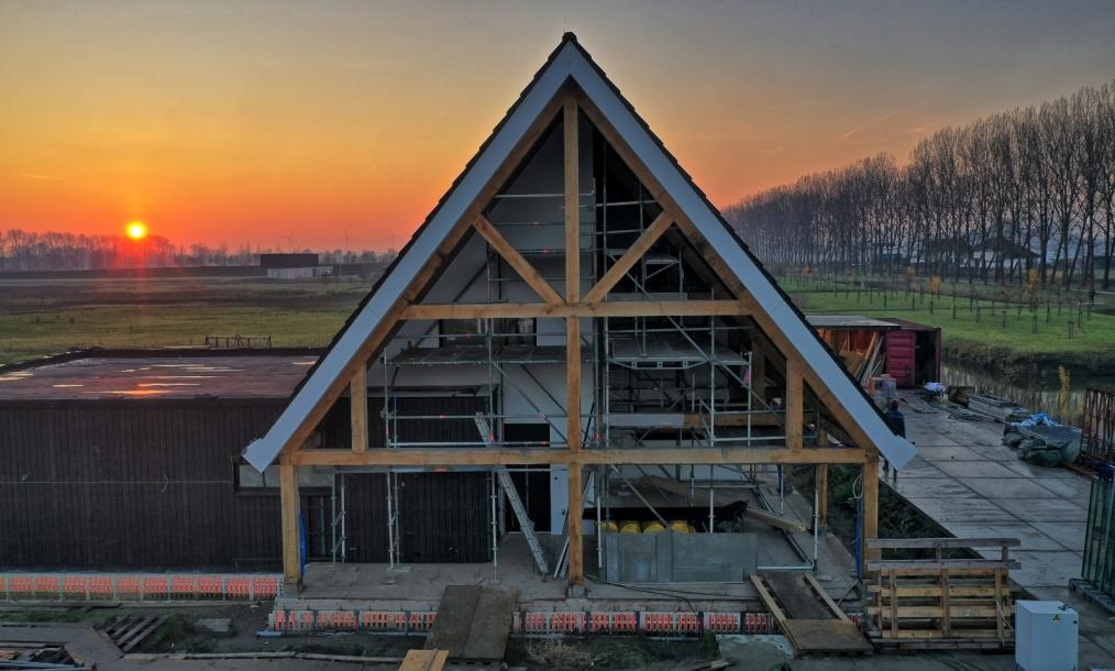Kopgevel moderne schuurwoning houten constructie Numansdorp